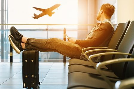 Travel only with a cabin luggage