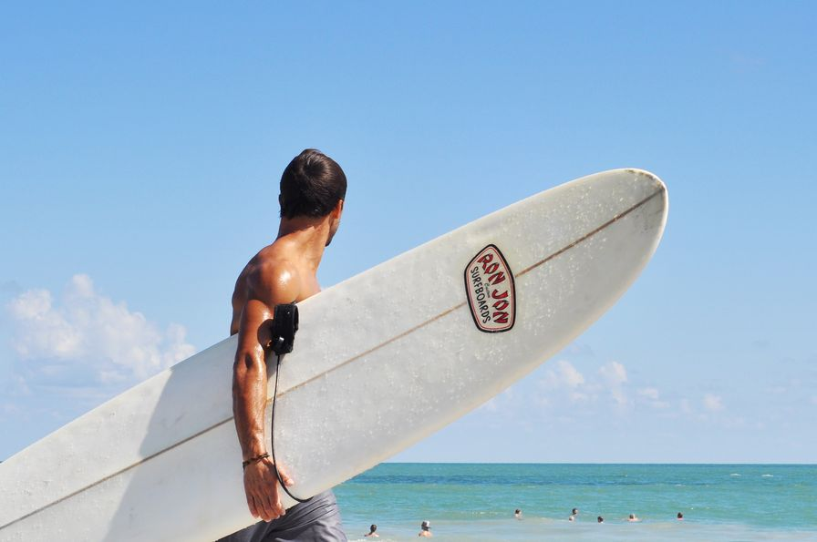 Surf holidays for non-surfer to experience the healthy travel alternative