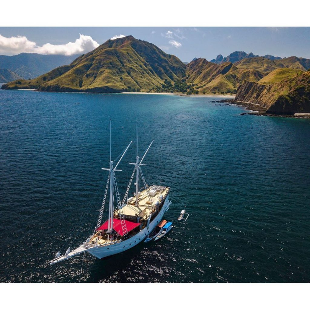 How Much Do We Need to Save for Komodo Liveaboard Budget Trip?
